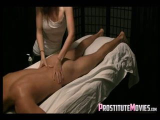 Nóng massage với hạnh phúc ending