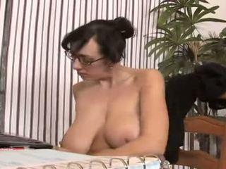Dangercore alia janine krūtinga čiulpimas
