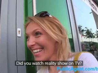 Publicagent hon gets spit-roasted outdoors till få verklighet tv jobb