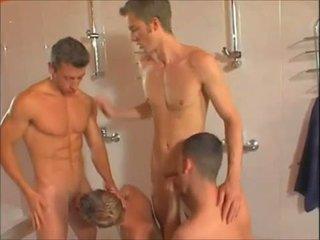Καυτά γκέι showers όργιο