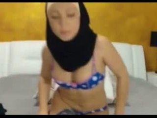 เซ็กซี่ hijabi หญิง บน แคม