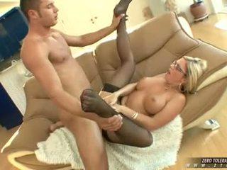 Bitchy חם ahryan astyn gets a עשיר spurt של זין cream ב שלה פנים