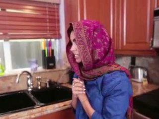 Arab підліток ada gets a warm манда cream