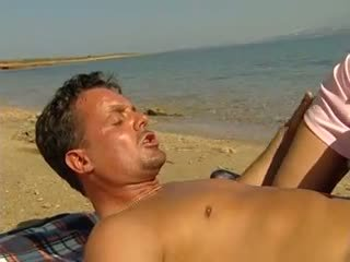 плаж, брюнетки, отлежава