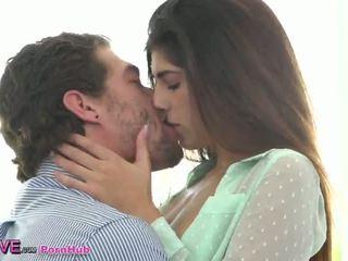 zeshkane, -tits vogla, kissing