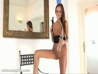 Abby using labia pompë