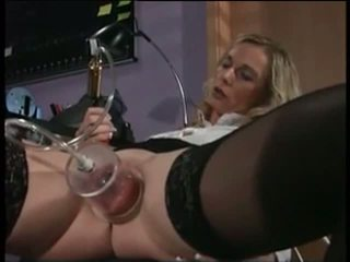 Ma sexy piercings infirmière avec pierced pumped chatte sexe