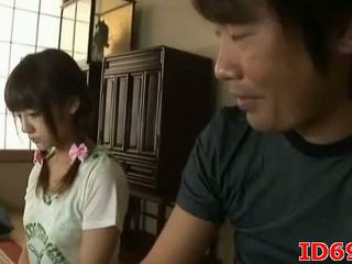 Japonesa av modelo gets fingered