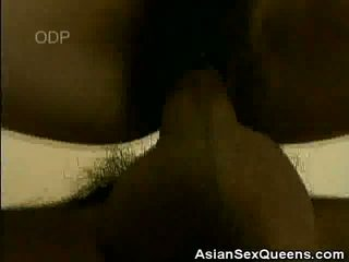 Stocking Clad Chinese Grunt Has Her Fl...
