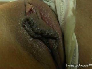 Pirmas laikas mėgėjiškas masturbates jos didelis putė lips į orgazmas