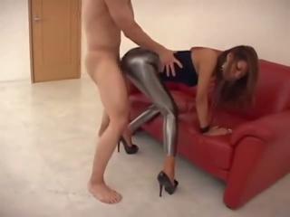 Wanita berbusana pria telanjang legging mengisap penis dan apaan, gratis mengisap penis apaan porno video