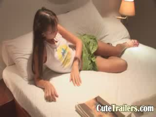 Anorectic girl cums before a sleep