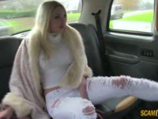 Sexy euro nana tamara chaud sexe en taxi