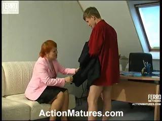 Ophelia 과 jerry 빨강 섹시한 senior 활동