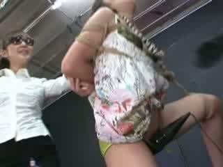 Ayumi gets כבול ו - tortured