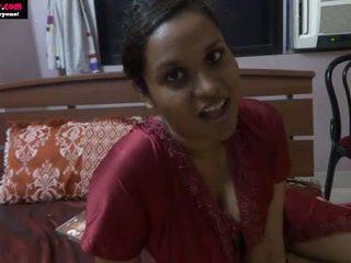 Lily 印度人 性别 老师 角色 玩