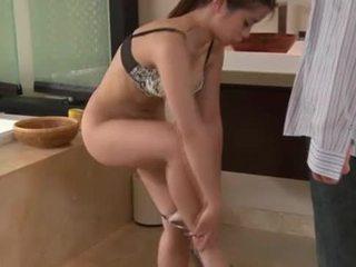 亞洲人 masseuse showers 同 客戶