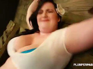 Sexy BBW Eliza Allure Submits and Fucks Her Master