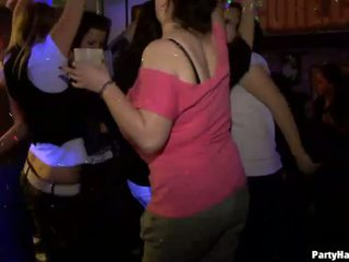Yong fata inpulit greu după dance