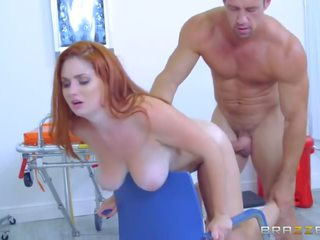 Brazzers - закръглени ginger lennox luxe gets pounded