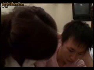 Gorące japońskie mama 54 przez avhotmom