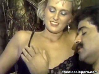 Trưởng thành men involving lớn roosters screwing khiêu dâm female