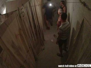 Shocking shots fra eastern europeisk underground brothel