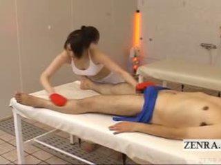 Subtitled apģērbta sievete kails vīrietis japānieši spa exfoliating masāža handjob