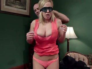 Stiefmoeder en dochter aanbod disobedient holes - porno video- 401