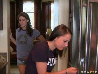 коледж дівчина, кицька, лесбіянка
