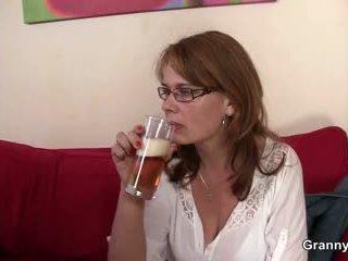 Drunken мама gets її пизда відтрахана