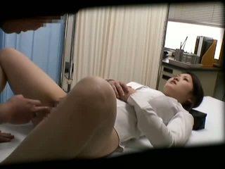 Spycam skolejente misused av doktor 2