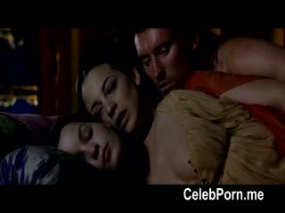 Leonor watling shows larg të saj tempting trup