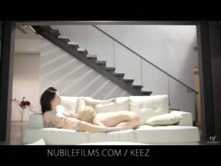 Aiden ashley - nubile films - lesbian lovers share manis burungpun juices