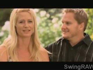 Pora gauti į realybė į turėti an orgija su a karštas swingers