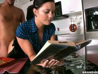 Libbra me astounding mentre io leggere mine libro