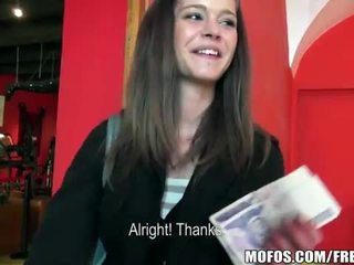 Amateur czech girl kelly sun pounded for money