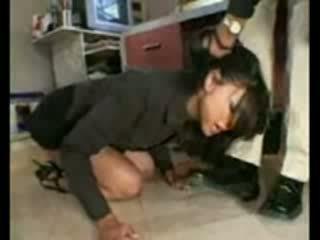 Stupid employee brutally destroyed por frustrated chefe