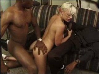 เซ็กส์ระหว่างคนต่างสีผิว เซ็กส์สามคน ด้วย ก้น และ dp