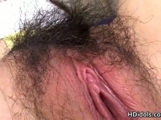 Ragazzo checks a vedere se internet working goes onto porno e shaggs