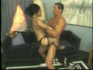Bridget o anã a foder com um jovem garanhão