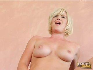 Breasty 热 naomi cruise acquires 她的 粉红色 的阴户 jizzed 后 一 不错 热 他妈的