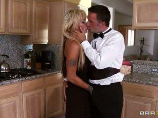 丰富 家庭主妇 houston blows 她的 waitor keiran lee