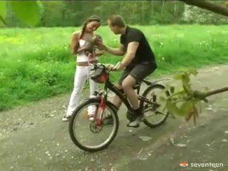 Fodida por o cyclist