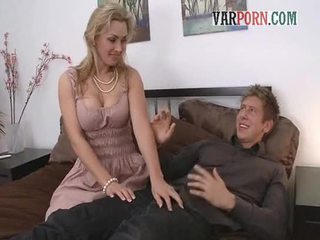 Shameless sex-houngry MILF mom seduces younger fellow