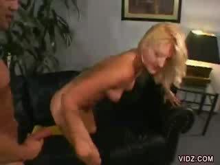 Stacy thorn bends over para dong sa loob kanya