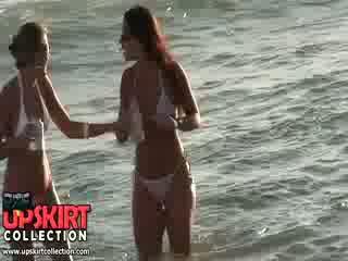 Charming bikini gà con are staying trong các nước talking và having không ý kiến đến được spied