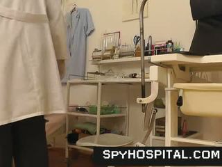 pochwa, ukryta kamera, lekarz, szpital