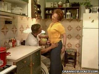 おばあちゃん ファック brings あなた ハードコア セックス セックス mov