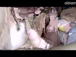 Mollig grannny und fett reif lutschen ein schwanz video